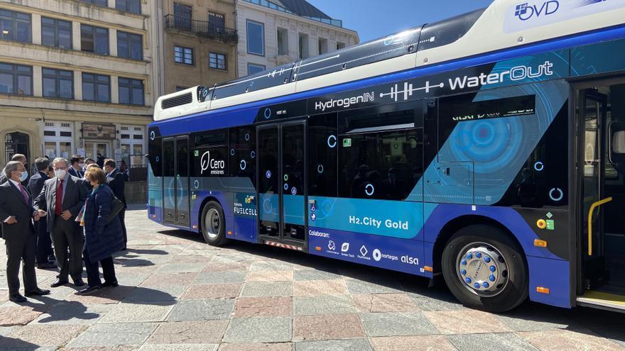 Entra en funcionamiento en Oviedo el primer autobús que funciona únicamente con hidrógeno