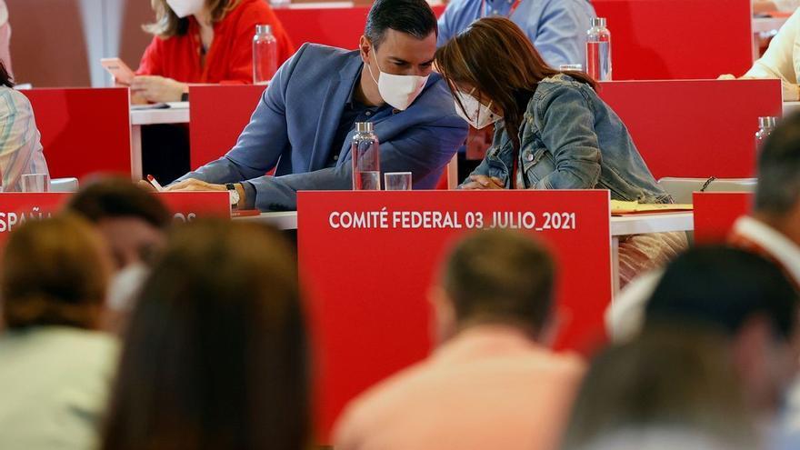 Sánchez confirma a Lastra como número dos en el partido tras el congreso del PSOE