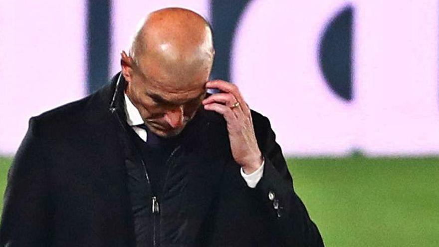 Zidane puede ser el recambio de Pirlo