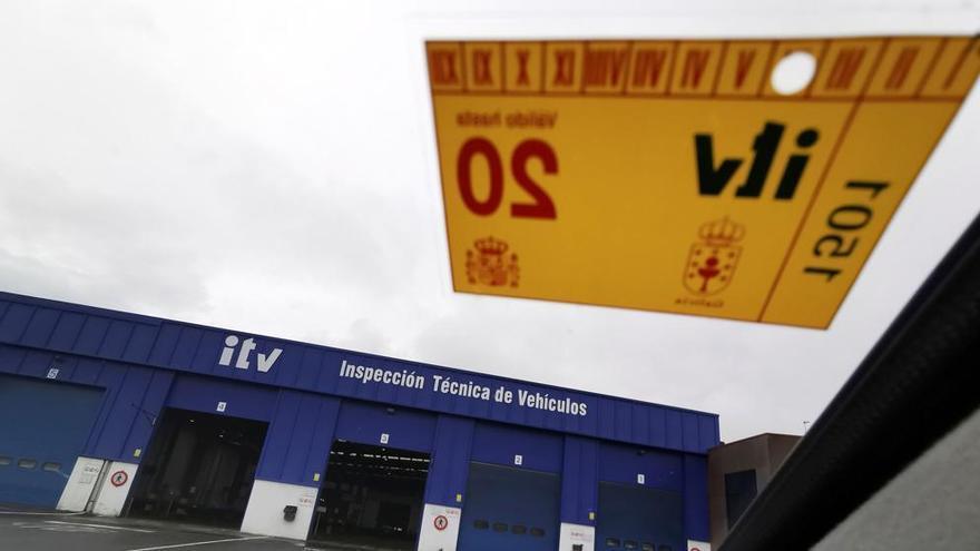 Solo una de cada cuatro estaciones de ITV andaluzas dan cita antes de abril