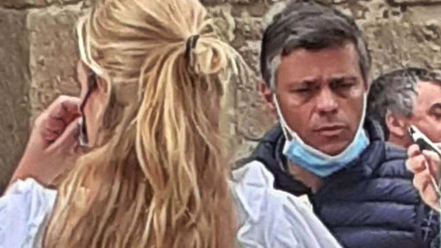 Leopoldo López esgrime su actividad política tras ser multado en Cambados