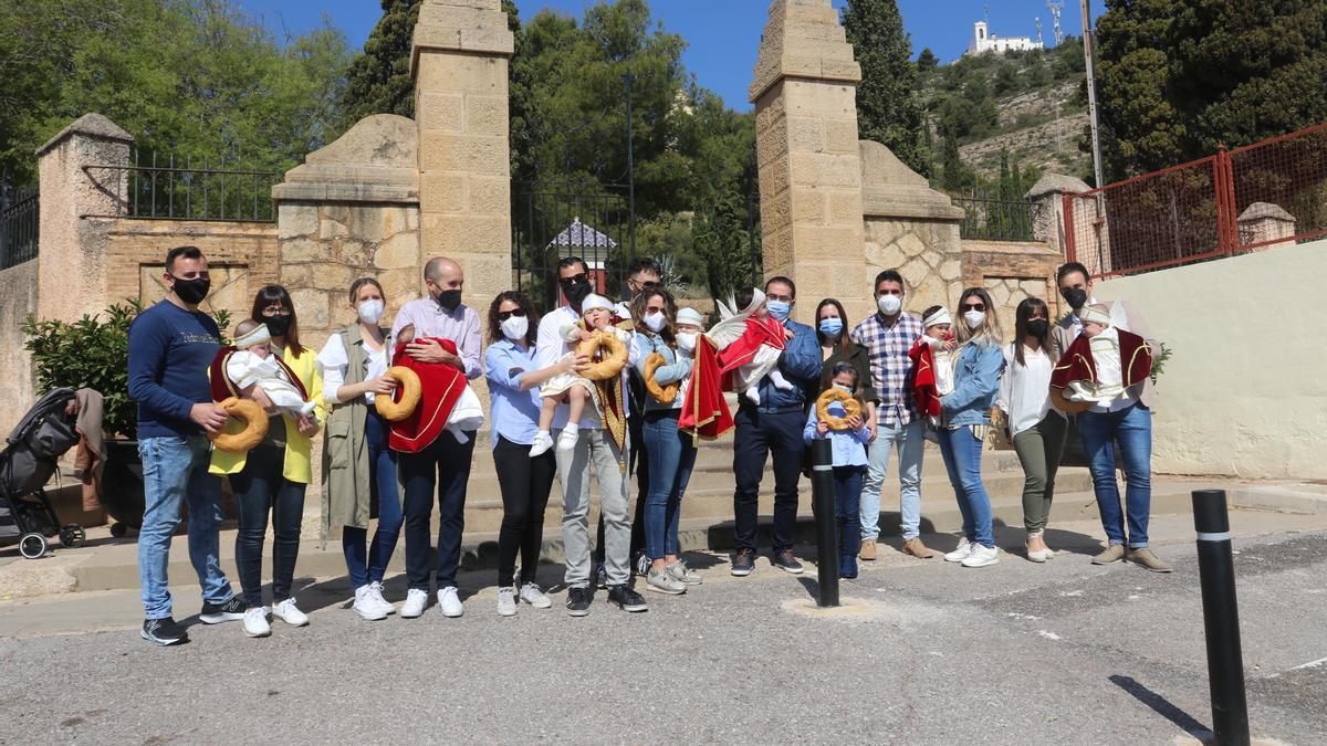 Los vecinos de l'Alcora demostraron que, a pesar del covid, la Festa del Rotllo está muy viva en la capital de l'Alcalatén.