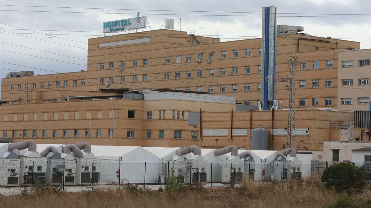 Imagen de la fachada posterior del General y del hospital de campaña.