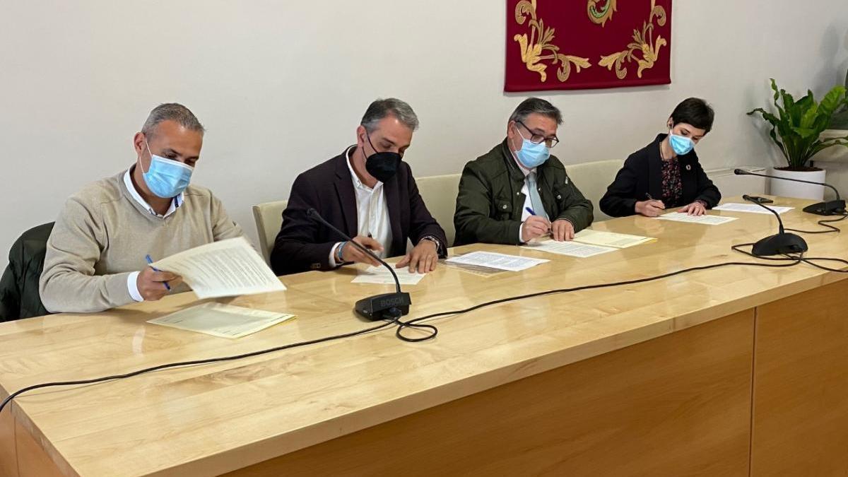 El acuerdo entre PSOE, PP y Ciudadanos saca adelante los presupuestos de Almendralejo