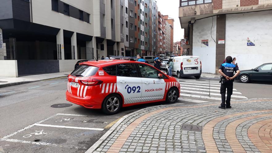 Arrestado por atentado contra la autoridad tras negarse a salir de un local en Gijón