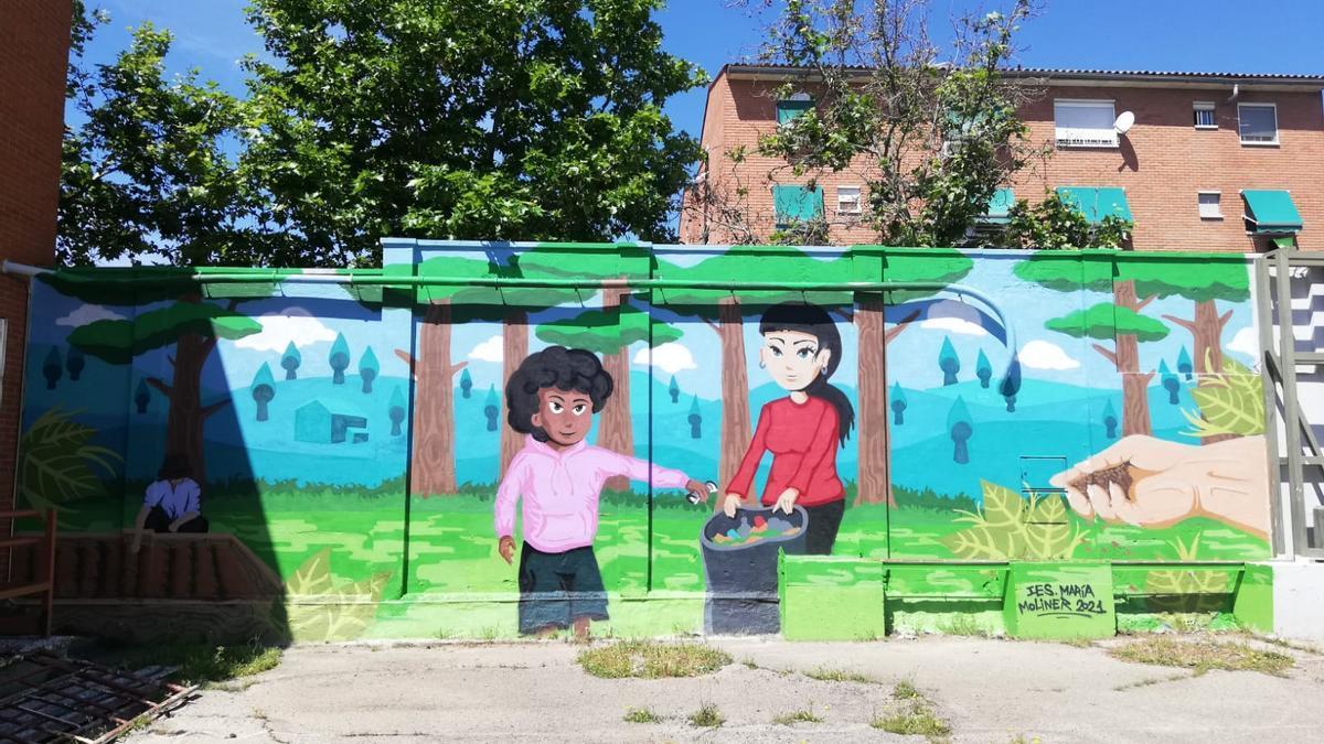 Uno de los dibujos que forman parte del mural del patio del IES María Moliner.