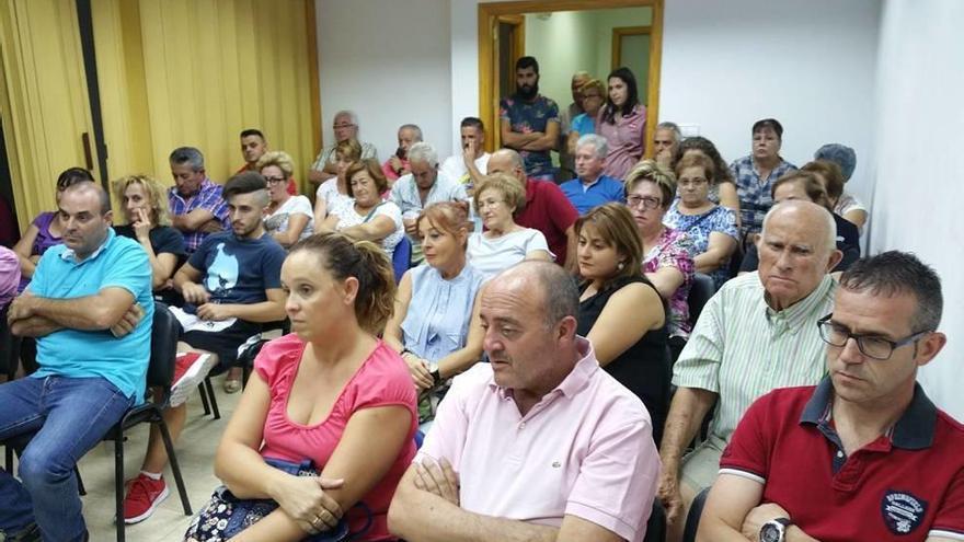 Plantean a los vecinos crear grupos de Whatsapp con la Policía Local de Lorca