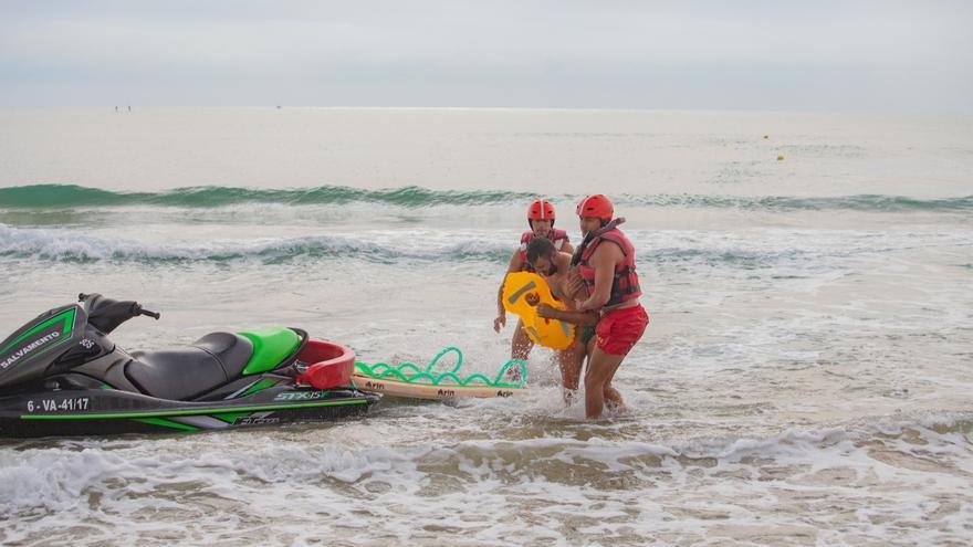 Cullera refuerza la seguridad en las playas con un dron de rescate