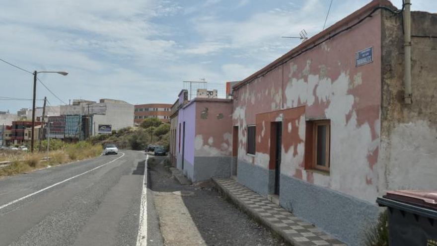La ciudad desbloquea la construcción de aceras en la recta de Los Tarahales