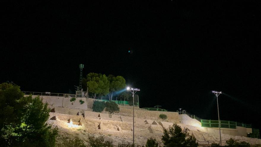 Benidorm ilumina el Tossal