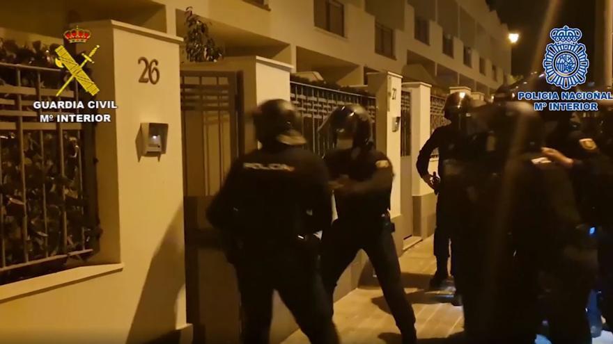 Caen en Adeje cuatro narcos montenegrinos, uno de ellos líder de los 'Panteras Rosas'