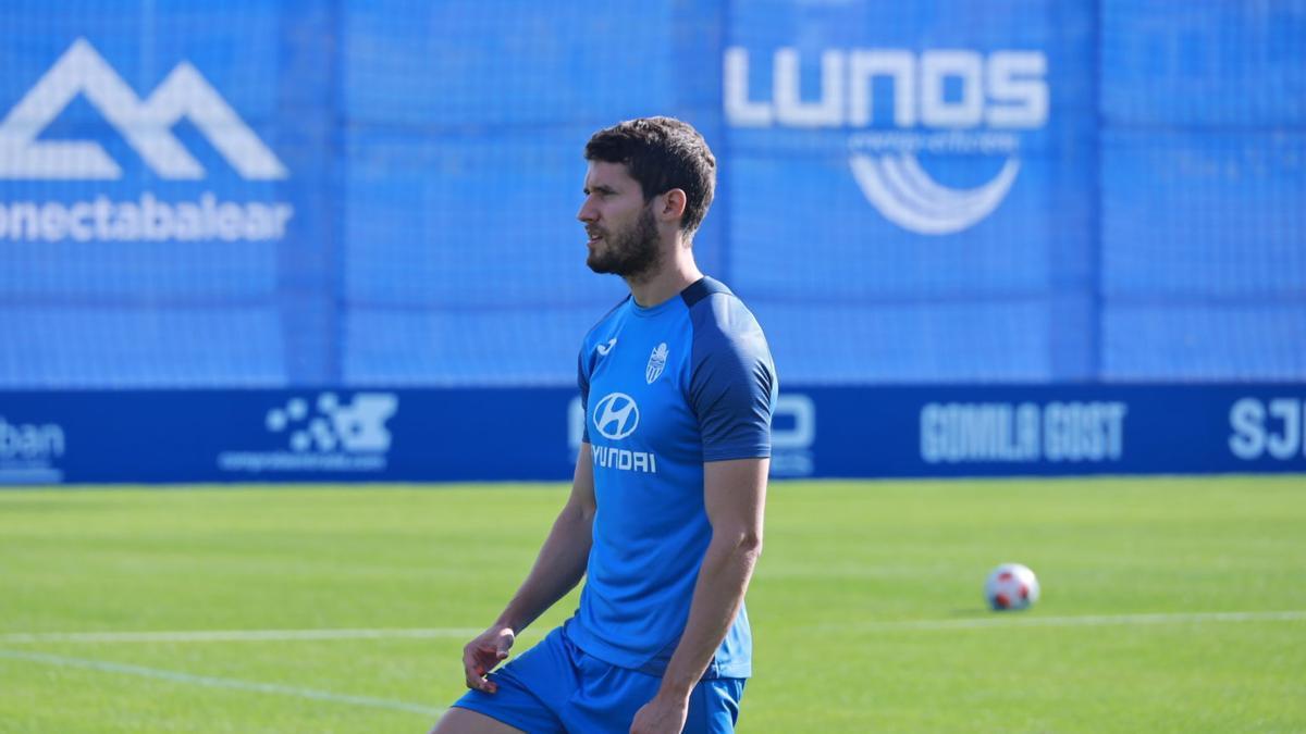 Kako, durante el entrenamiento matinal del Atlético Baleares