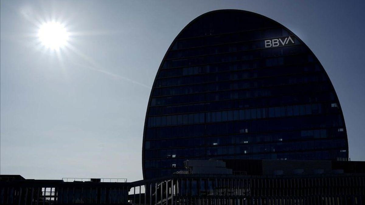 El BBVA vende una cartera de préstamos de Unnim de 700 millones