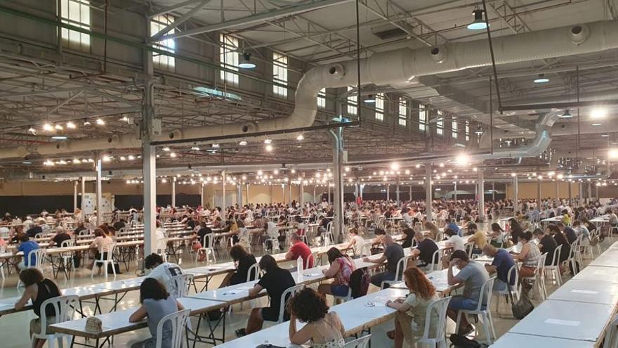 600 personas de las 1.115 inscritas se presentan a la convocatoria del Ayuntamiento de Elda para cubrir 16 plazas de auxiliar administrativo