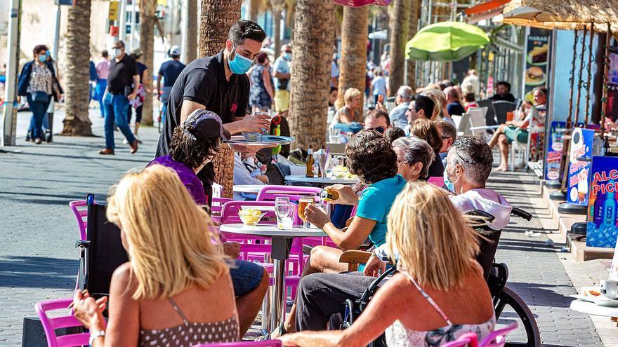 El sector de los servicios pierde 11.000 empleos en un año en Alicante por los efectos del covid
