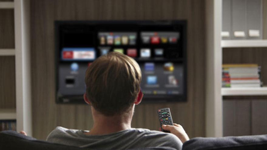 Com utilitzar la videoconsola per convertir la teva tele en una «Smart TV»