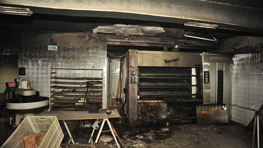 Un incendio afecta a una panadería de Ousensa debido a una avería en el horno