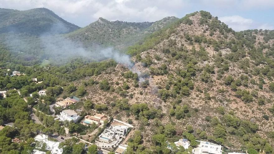 Funke von Strommast löst Brand in Costa dels Pins aus