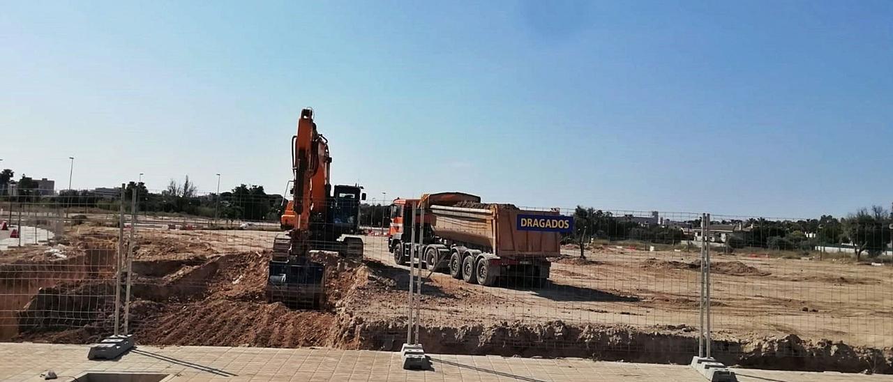 La promotora Aedas Home ha iniciado la construcción de sus primeras 100 viviendas en Nou Nazareth.   INFORMACIÓN