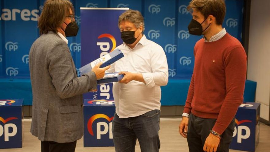Anaya y Mazón pasan el corte para la pelea del PP con el alicantino de favorito