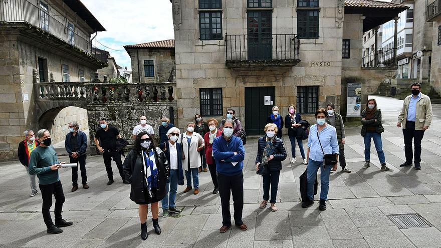 Un millar de vecinos, comerciantes y técnicos pide que Lores frene la ampliación del Museo