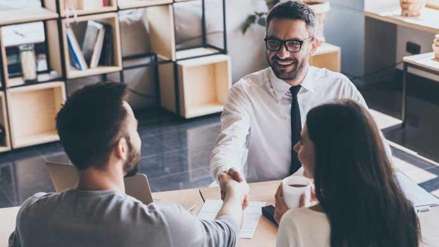 Investigan un supuesto cártel de agentes intermediarios en la compraventa de viviendas