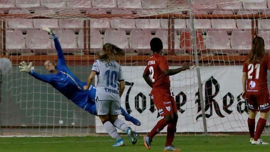 Espectacular gol de Eva Navarro ante el Logroñés