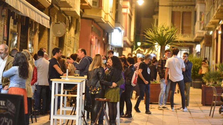 Cierre de bares: Cartagena se despide en las calles