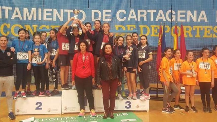 Cartagena juega al atletismo bajo techo