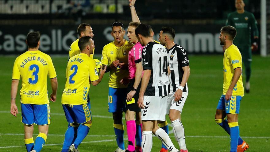 La UD Las Palmas cae con contundencia en Castellón (4-0)