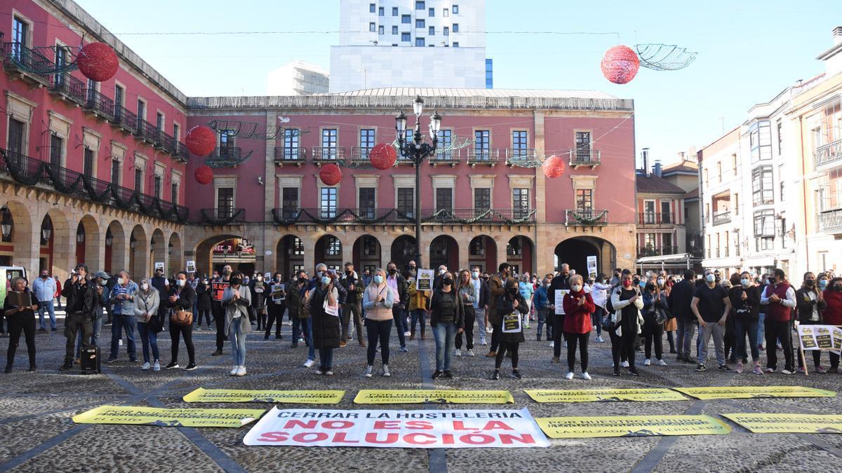 Protesta de autónomos en Gijón contra los cierres la pasada semana