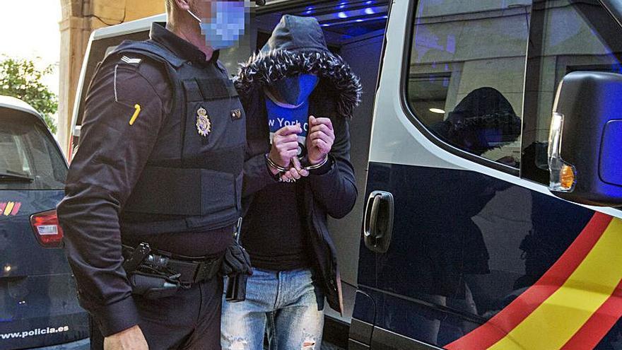 Diez años de cárcel por matar a golpes a un indigente en Alicante