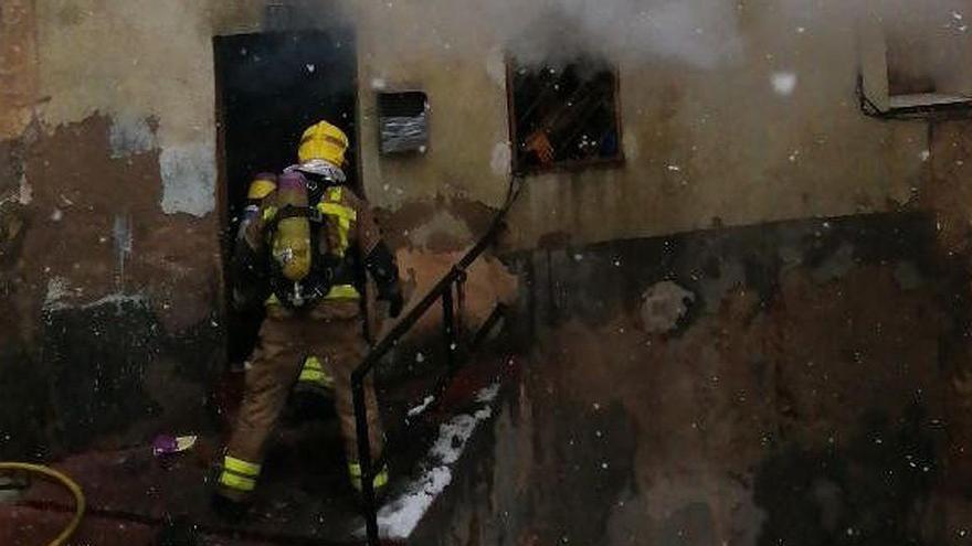 Muere un hombre en el incendio de una vivienda en Tarragona