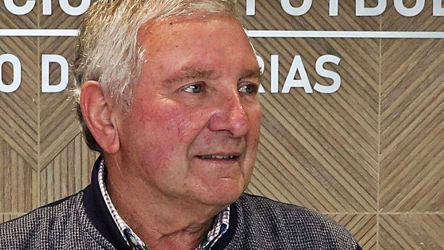 Maximino Martínez deja la Federación Asturiana de Fútbol tras 27 años en la presidencia