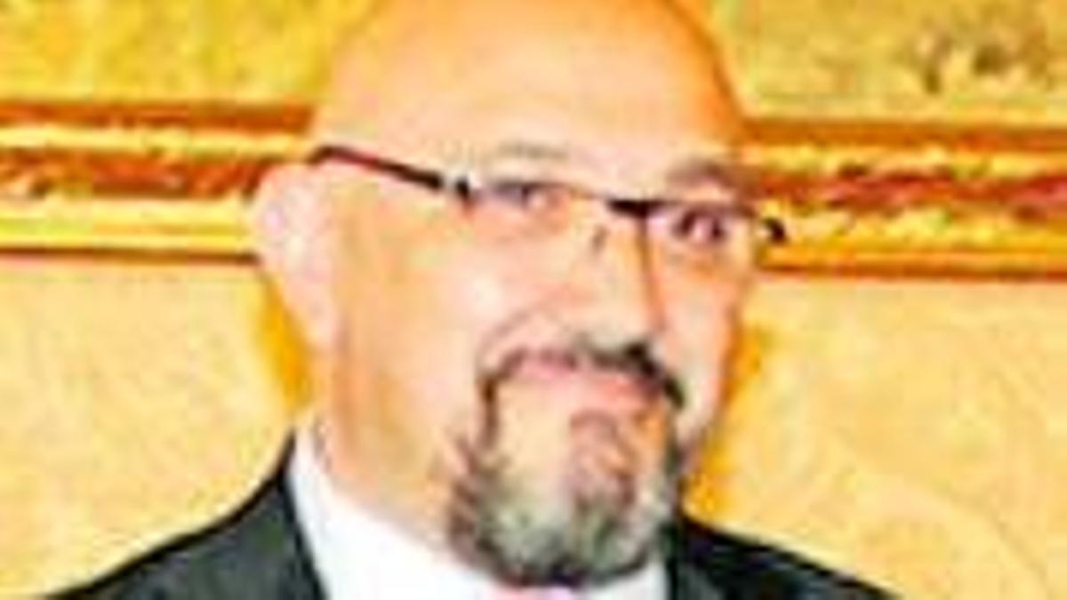 Eduardo Zúñiga.
