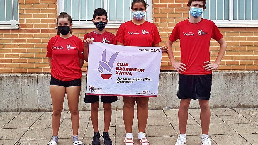 El Bádminton Xàtiva logra las tres primeras medallas de la temporada
