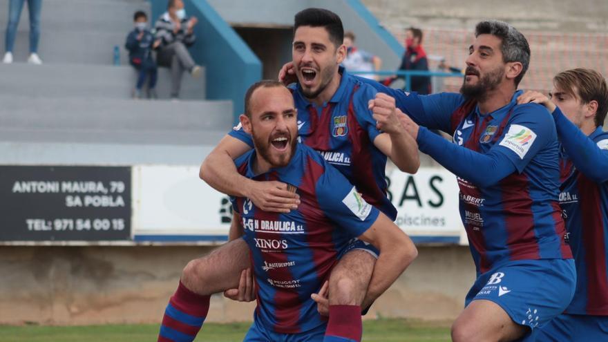 El Poblense logra ante el Villarrubia su primer triunfo en casa (2-1)