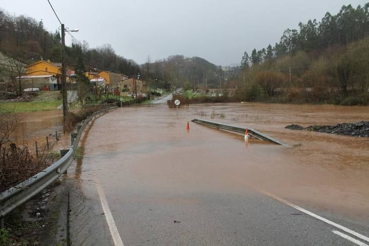 temporal Carretera Carbayin2.jpg