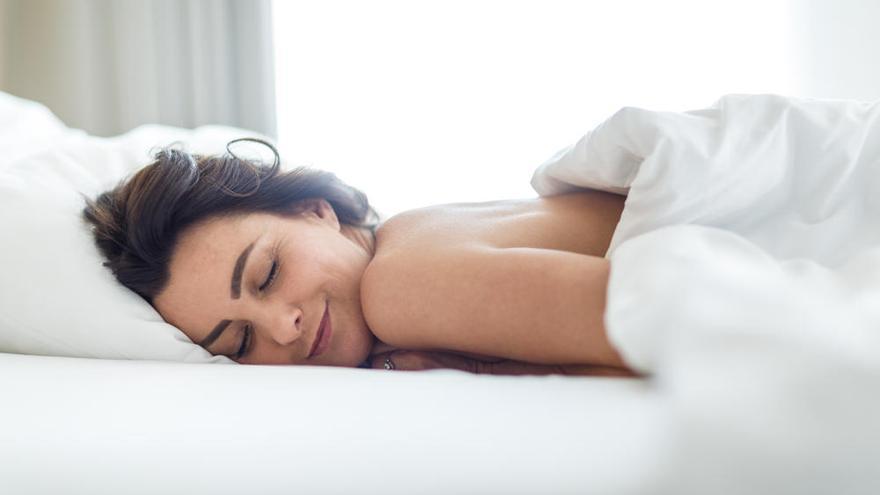 Investigan si la melatonina, inductor del sueño, previene y combate la covid
