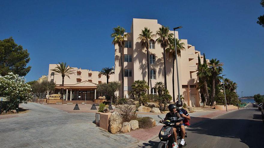 Turistas en cuarentena en Ibiza ocupan el 89% de las plazas del hotel puente