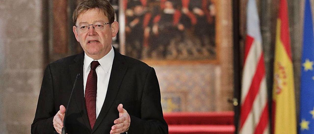 El presidente de la Generalitat, Ximo Puig, durante la lectura de su declaración institucional.