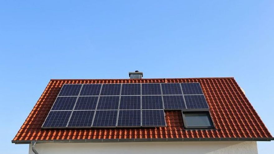 Las placas solares aprovechan el sol murciano y nos ayudan a ahorrar en la factura de la luz
