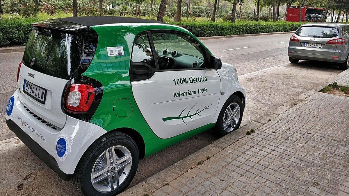 Una empresa valenciana lanza los primeros 100 coches de alquiler | LEVANTE-EMV