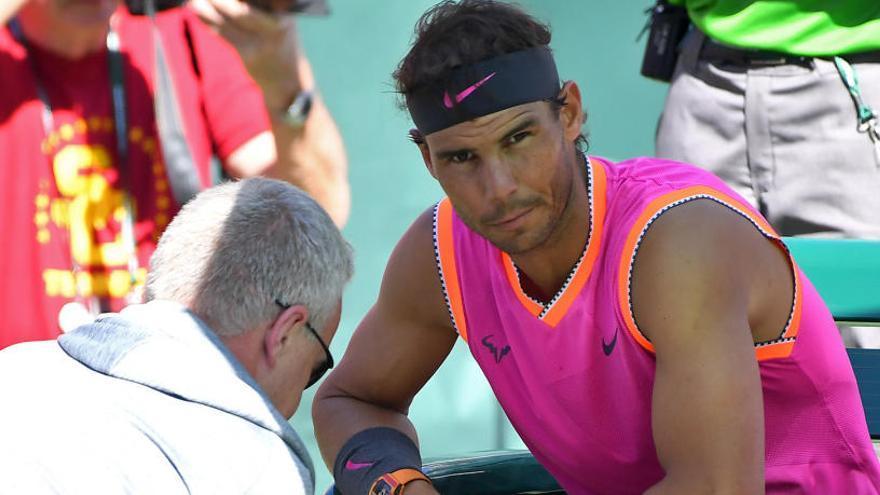 Nadal se retira de Indian Wells por molestias en una rodilla