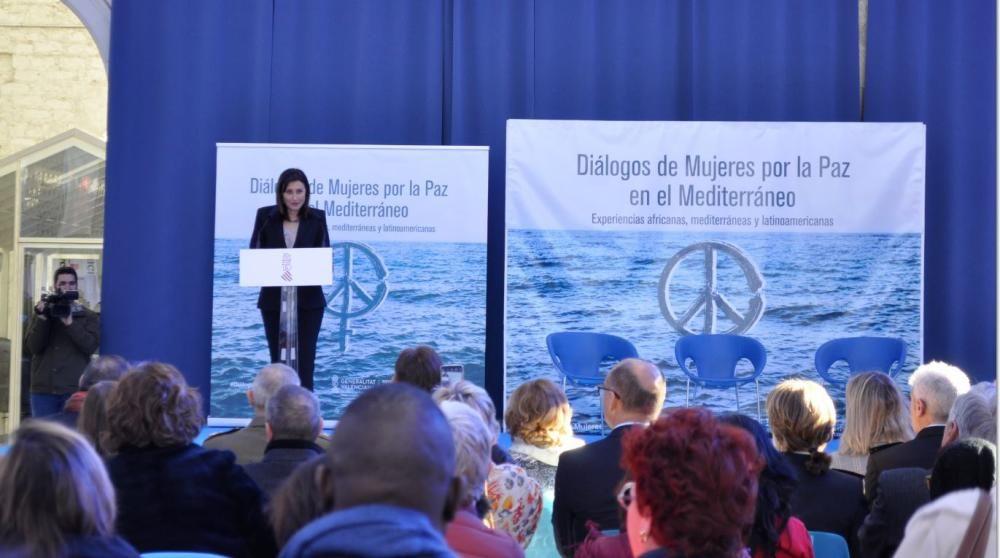 Mujeres del mundo claman por la paz en Alicante