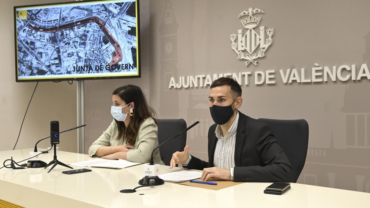 Gómez y Campillo analizaron la actualidad política de la ciudad.