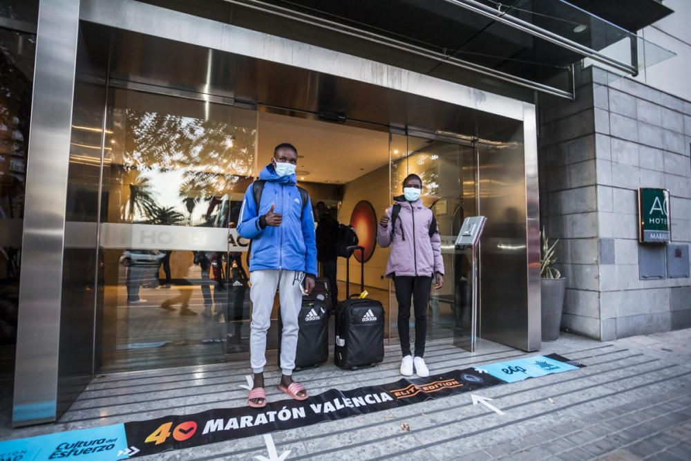 Llegada de los atletas elite del Maratón