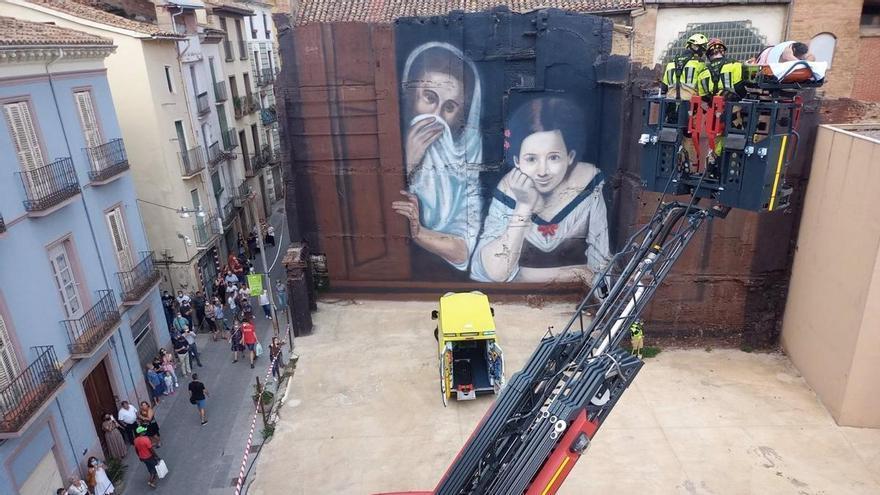 El Speis de Huesca realiza varias actuaciones en Barbastro por la tormenta y rescata a un trabajador de un tejado