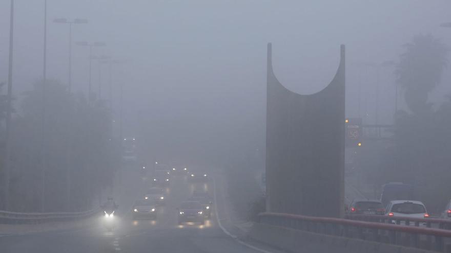 Niebla en la carretera: ¿Qué tengo que hacer y qué luces hay que poner?