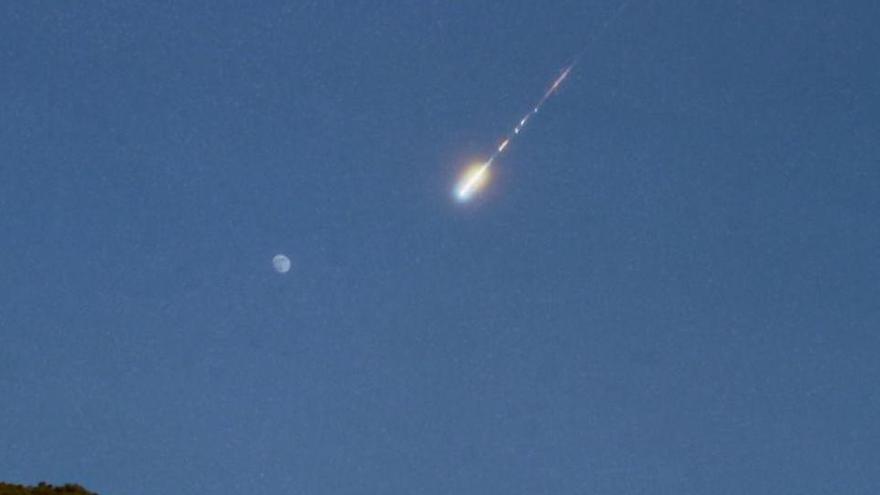 Una bola de foc sobrevola el Mediterrani a 140.000 km/h